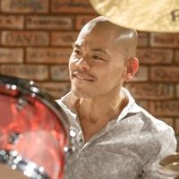 江藤良人(ドラム)